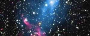 Gökbilimciler, bir kara delikle beslenen deli bir galaktik parçacık hızlandırıcısı keşfettiler